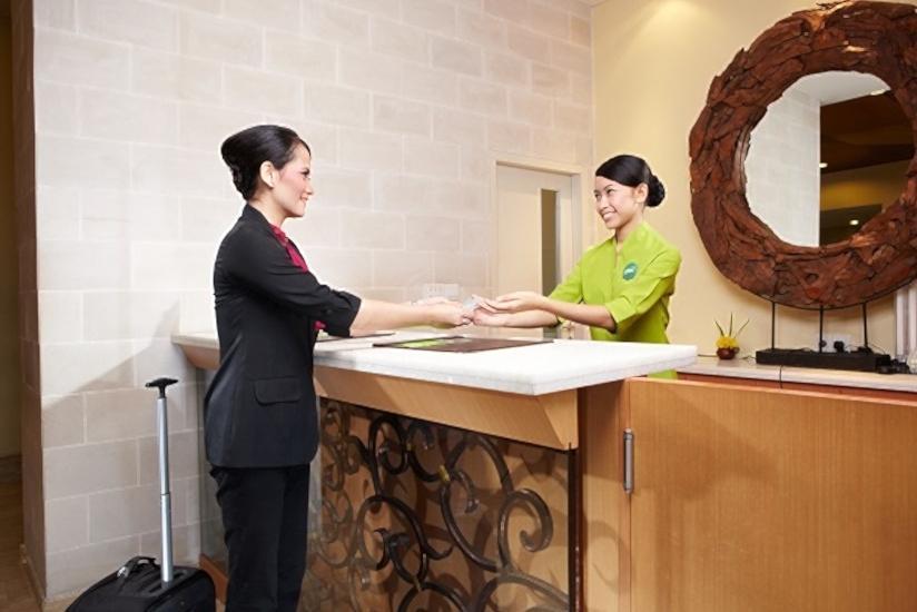 Whiz Hotel Yogyakarta - Reception