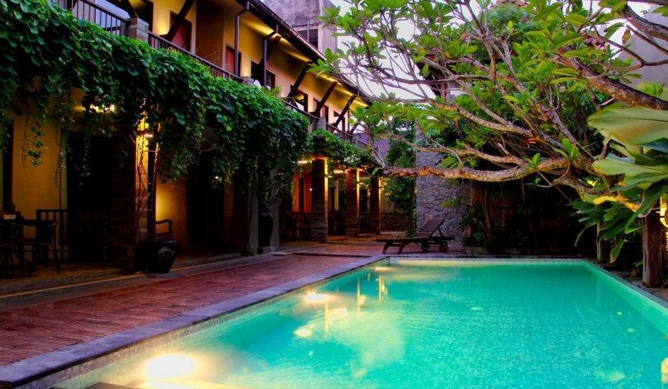 Rumah Batu Villa Solo - Kolam Renang