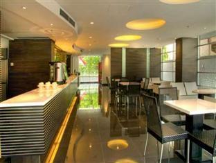 Studio One Hotel Jakarta - Lobby