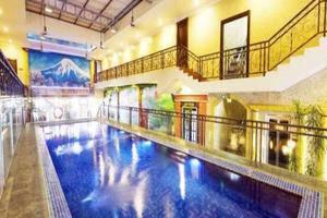 Amos Cozy Hotel Jakarta - Swimming Pool
