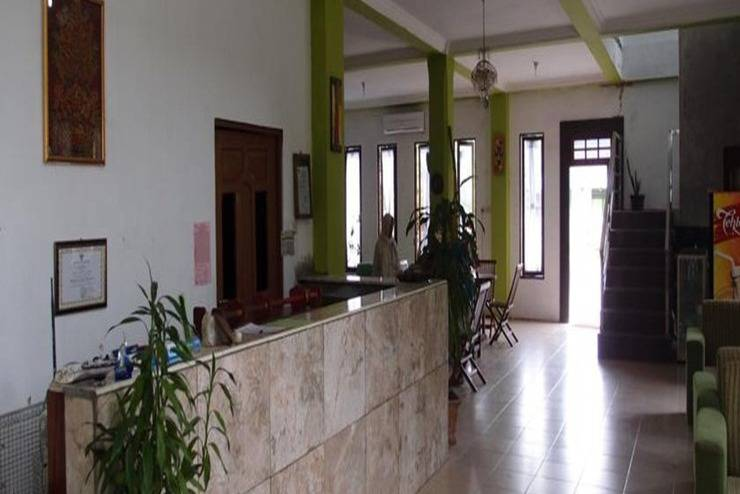 Fairuz Hotel Palangka Raya - Resepsionis