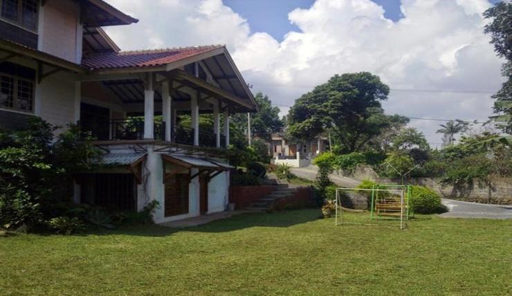 Villa Manis Lembang Bandung - Exterior