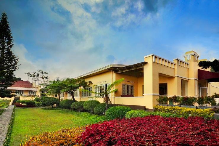 Hotel Indah Palace Tawangmangu Karanganyar - Taman
