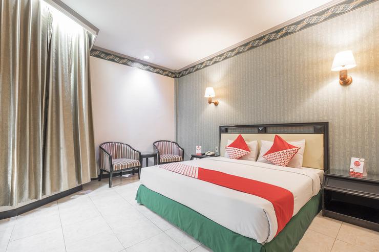 OYO 637 Yasmin Hotel Makassar - Bed Room