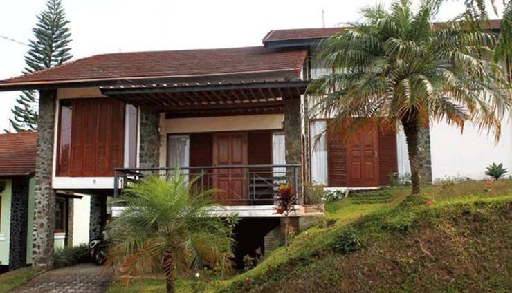 Villa Xanadu Istana Bunga Lembang Bandung - Eksterior