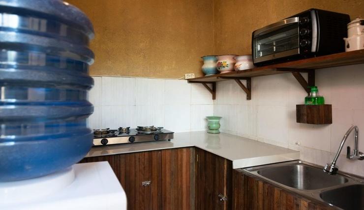 Wave & Chill House Bali - Kitchen