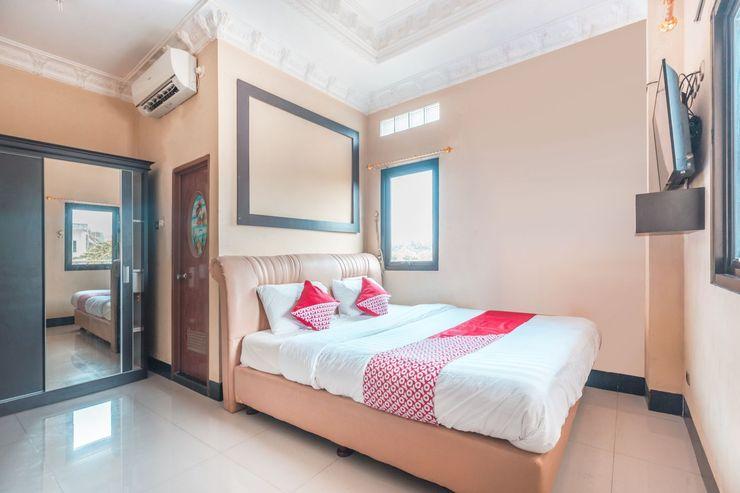 OYO 1640 Fallinda Hotel Bogor - Bedroom