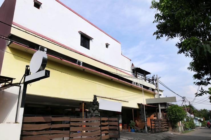 Airy Eco Kejaksaan Cangkring 7 Cirebon - Hotel Front
