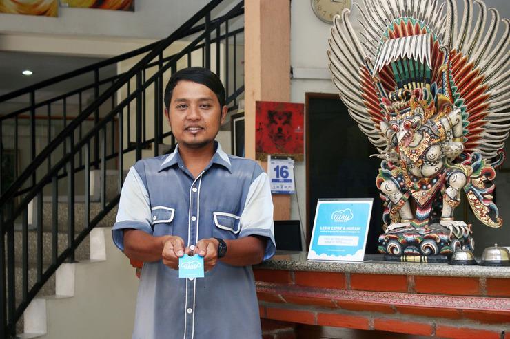 Airy Eco Kejaksaan Cangkring 7 Cirebon - Receptionist