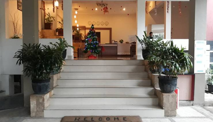 Hotel Ima Kupang - Akses ke Lobi