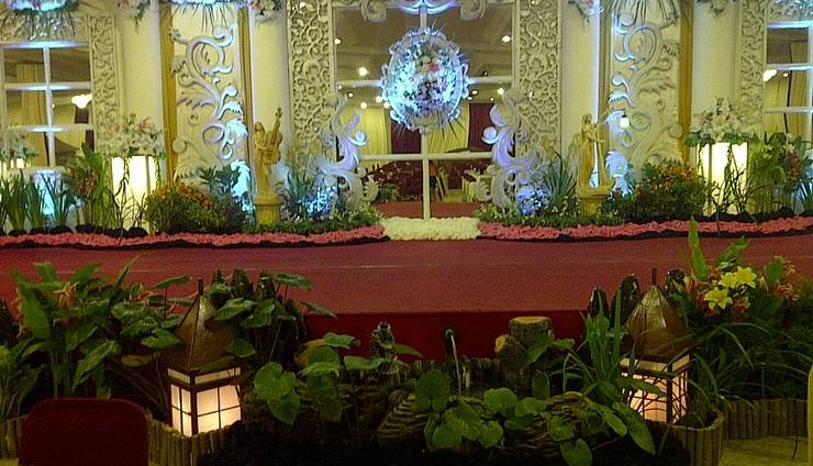 Hotel Satelit Surabaya - Dekorasi Hall