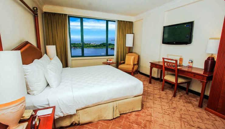 Hotel Aryaduta Makassar - Grand Aryaduta Suite Bed Room