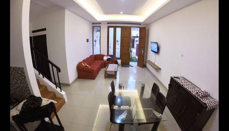 Padma Laguna Guest House Yogyakarta - Ruang Keluarga