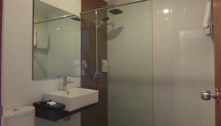 Svarna Hotel Sanur Bali - Kamar mandi
