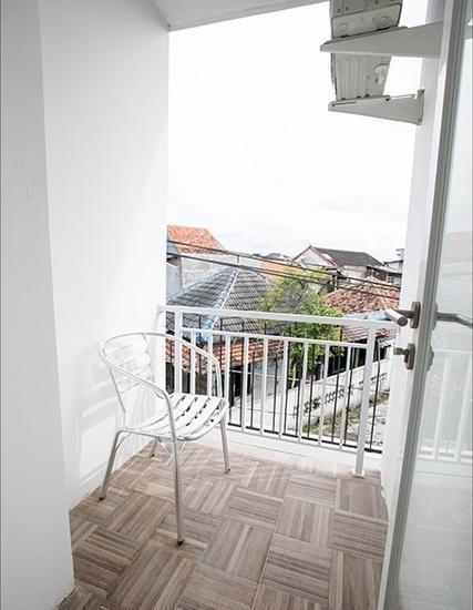 Smart Budget Hotel Semarang - Balcony