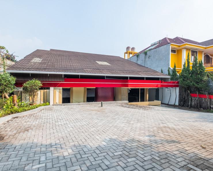 OYO 1139 Rossan Villa 2 Bandung - Facade