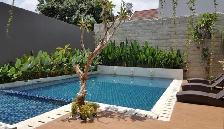 Kertanegara Homestay Jember - Pool