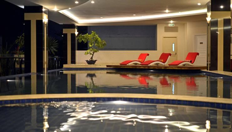 Grand Savero Hotel Bogor - Swimming Pool