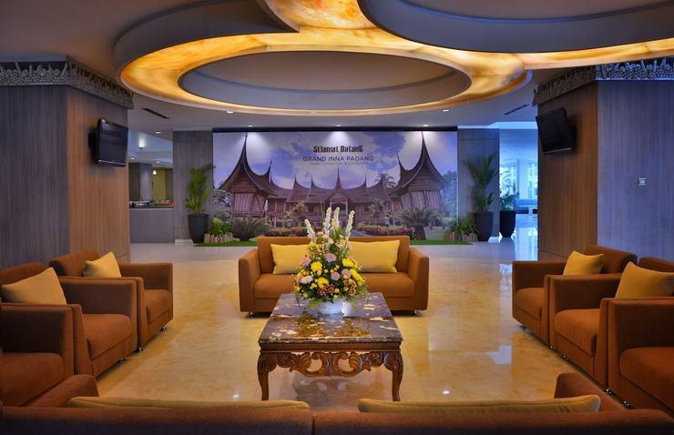 Truntum Padang (formerly Grand Inna Padang) Padang - Lobby Sitting Area