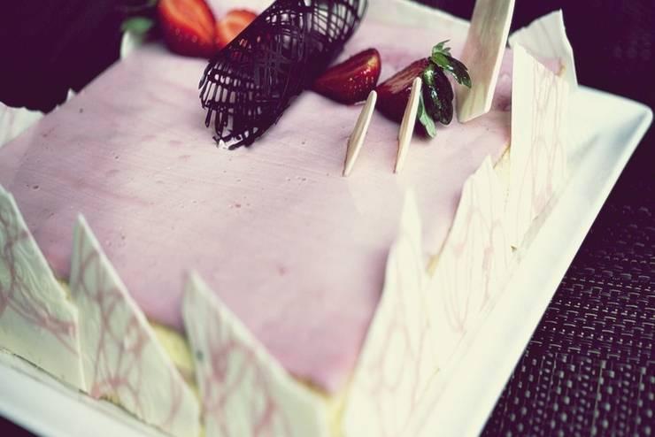 Swiss Belinn Airport Jakarta - Strawberry Cake