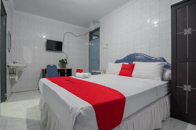 RedDoorz Syariah @ Ahmad Yani Street Balikpapan Balikpapan - Guestroom