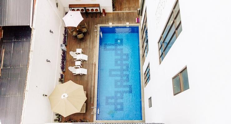 Urbanest Inn House Slipi Jakarta - Pool