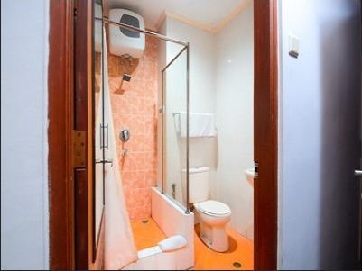 Airy UGM Colombo 1 Yogyakarta - Bathroom