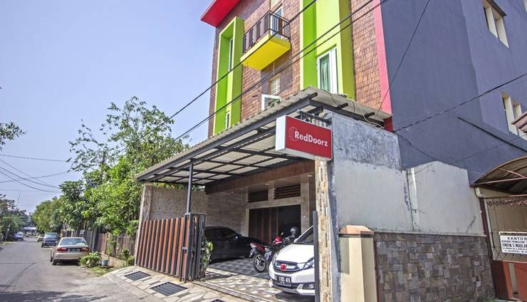 Alamat RedDoorz near Trans Studio Mall 2 - Bandung