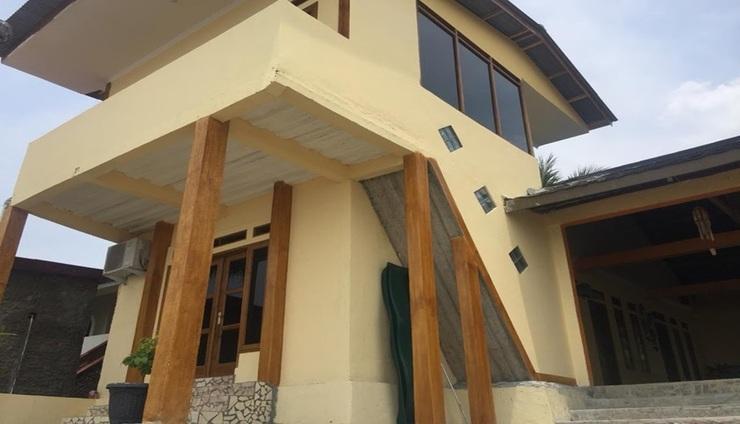 Villa Mila Tepi Pantai 2 Sukabumi - exterior