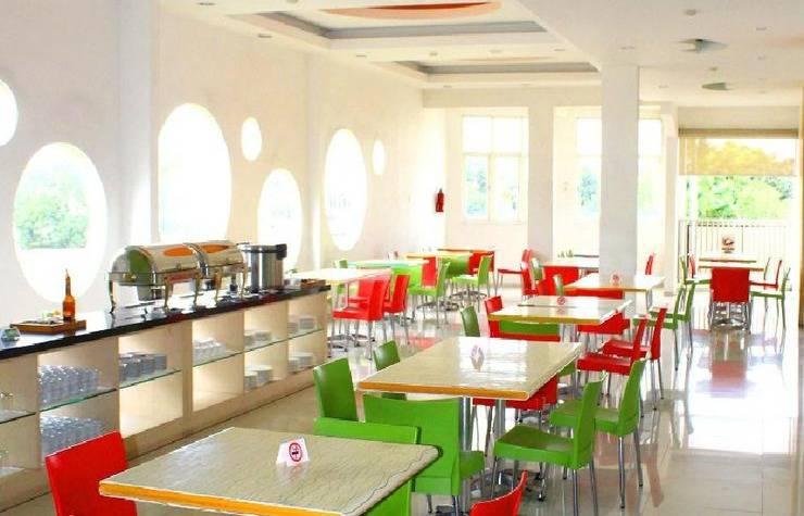 Tinggal Standard Jalan Letjen Sutoyo Klojen - Coffe shop