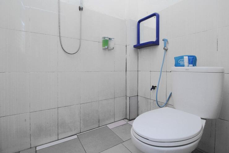 Airy Eco Jekan Raya Bukit Raya Enam Belas 12 Palangkaraya - Bathroom