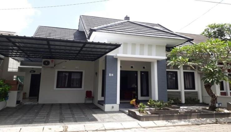 Mega Asri Homestay Yogyakarta - Facade