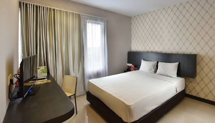 The KNO Hotel Kualanamu - Bussiness King Room