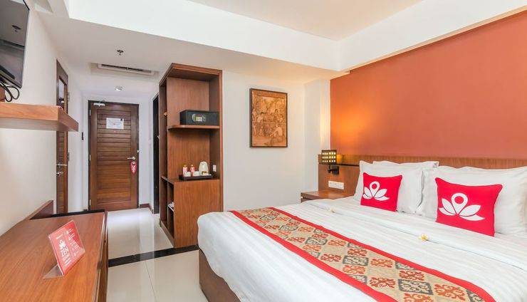 ZenRooms Seminyak Pangkung Sari - Kamar Double