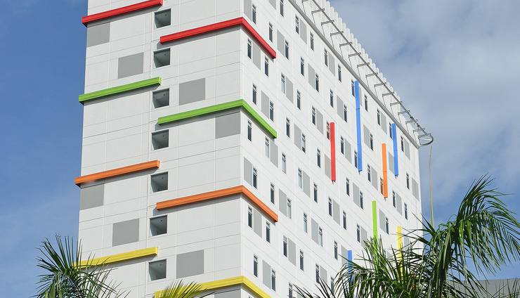 POP! Hotel Kelapa Gading - Hotel Building