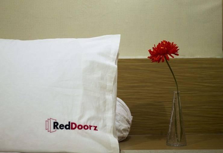 RedDoorz @Sanur Bali - Kamar tamu