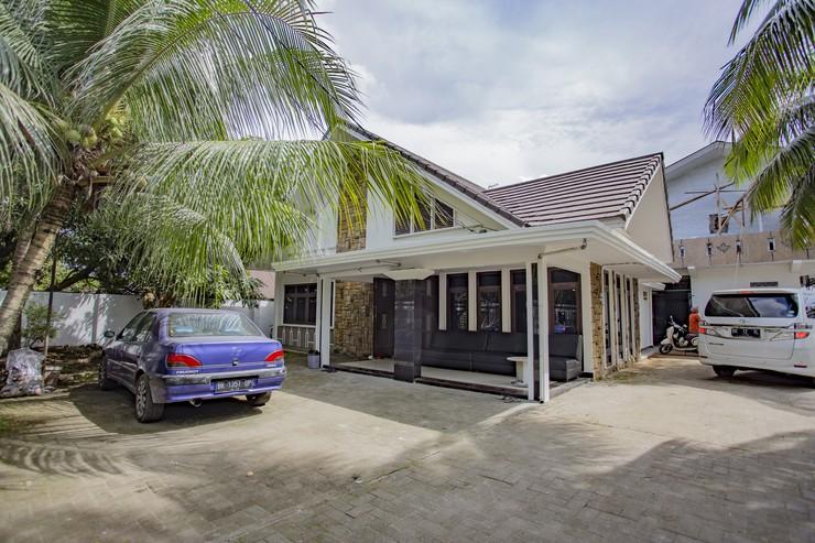 De Coco Guesthouse Medan - Area Parkir