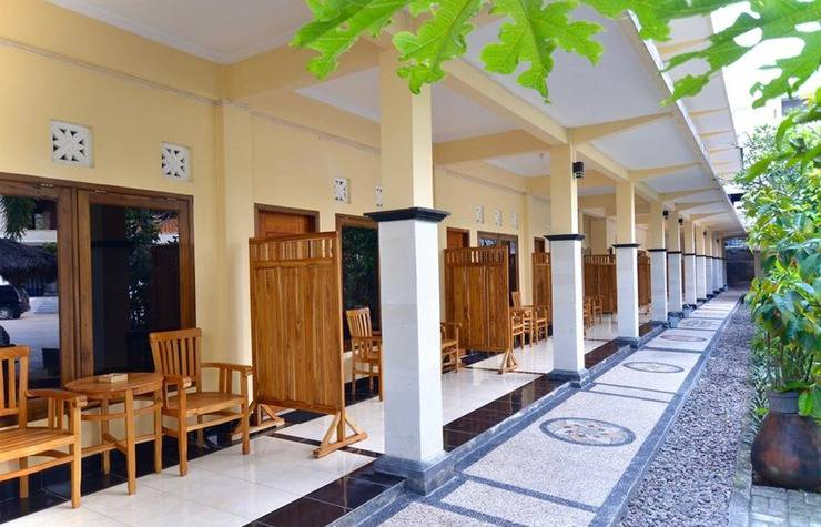 Central Inn Senggigi Lombok - Exterior