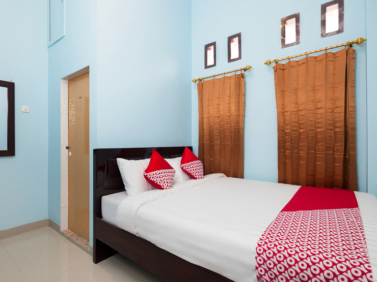 OYO 1235 Tona Residence Medan - Bedroom DD