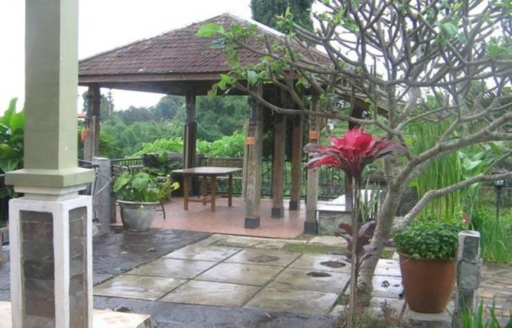 Villa Damos Bandung - Eksterior