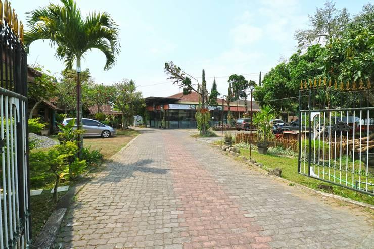Villa Vanda Malang - Entrance
