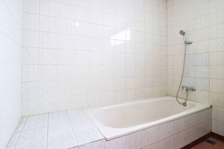 Villa Vanda Malang - Bathroom
