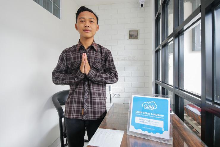 Airy Eco Syariah Fatmawati Raya 19 Jakarta Jakarta - Receptionist