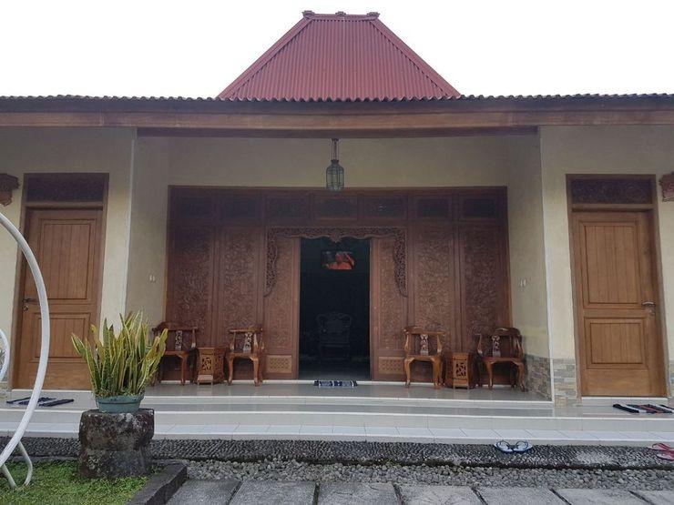 Villa Rumah Nenek at Kalisoro Karanganyar - exterior