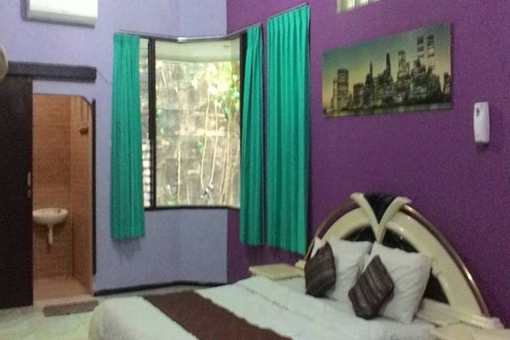 Family Guest House Malang - Kamar 8