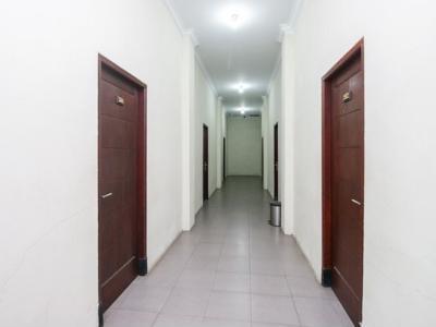 Airy Singosari Raya Mondoroko 1 Malang - Corridor