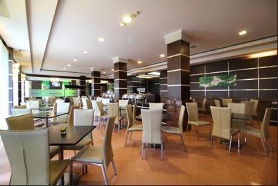 Airy Syariah Kendari Barat Edy Sabara 1A - Restaurant