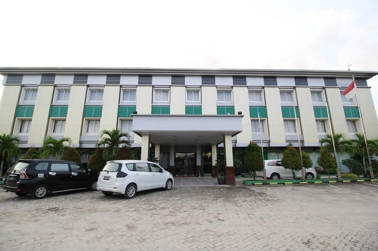 Airy Syariah Kendari Barat Edy Sabara 1A - Hotel Building