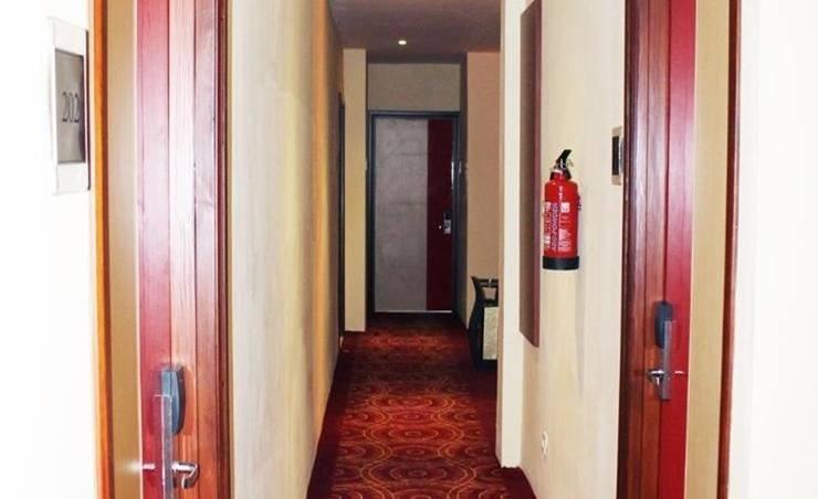 Maleosan Inn Manado - Interior