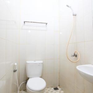 Sabrina 45 Hotel Pekanbaru - Kamar mandi